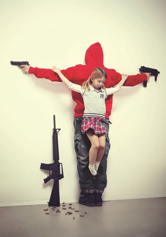 Los Intocables by Erik Ravelo - 图1