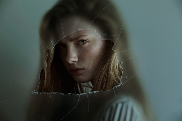 Through The Glass / Marta Bevacqua - 图1