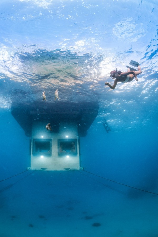 浮在海上的水下酒店 THE MANTA RESORT UNDERWATER HOTEL ROOM - 图1
